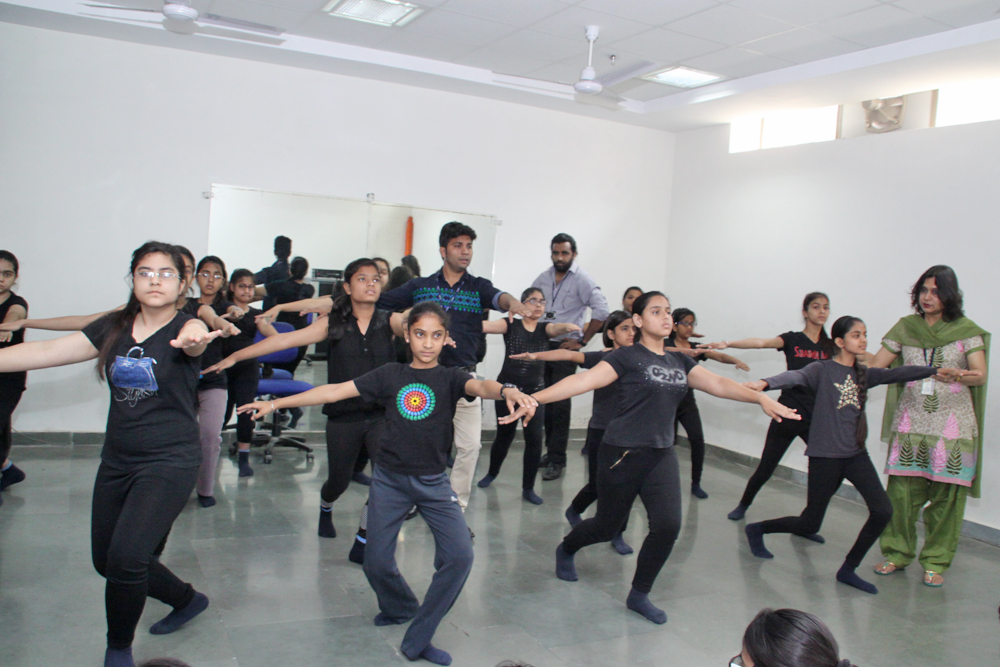 Students learning Contemporary dance