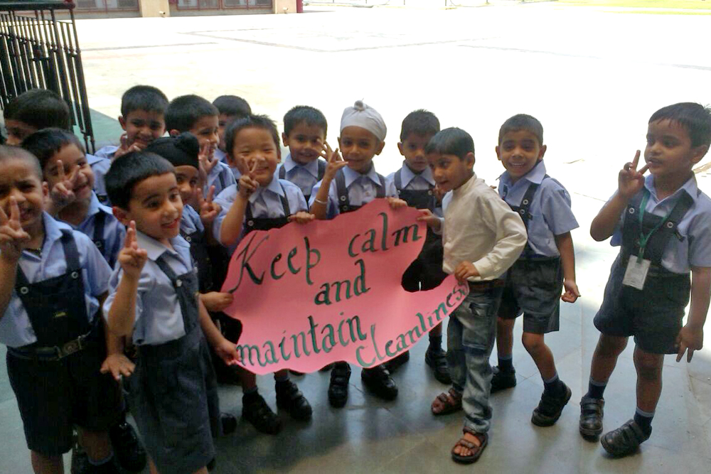 Primary Students spreading message of cleanliness