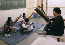 Where to learn flute in noida